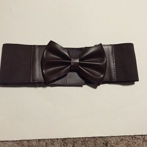 Brown Velcro bow belt!