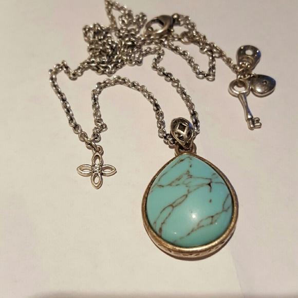 95 Off Fossil Jewelry Fossil Turquoise Bee Necklace