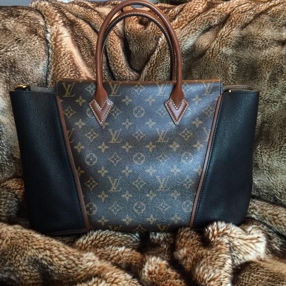 Louis Vuitton Handbags - Louis Vuitton W PM Tote Monogram and Noir (Black)