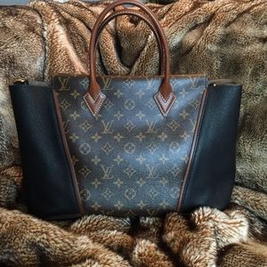 Louis Vuitton W PM Tote Monogram and Noir (Black)