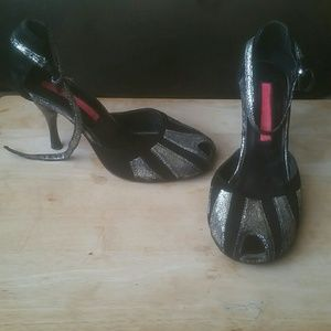 Sexy ankle strap heels...