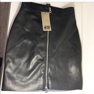 H&M skirt in Black