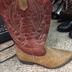 Shoes - Cute Cowboy boots
