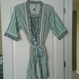 Other - Floral Robe With Shorts (NWOT)
