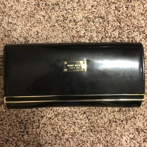 Nine West patent clutch