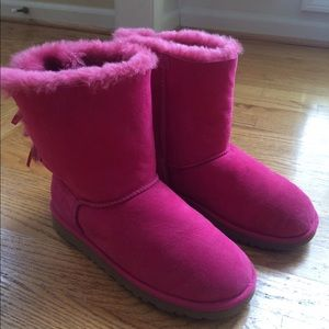 ugg boots bailey bow pink light pink knit uggs size 6 pink sweater. Black Bedroom Furniture Sets. Home Design Ideas