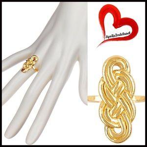 Gorjana Jewelry - ❗️1-HOUR SALE❗️GORJANA RING 18K Gold Plated