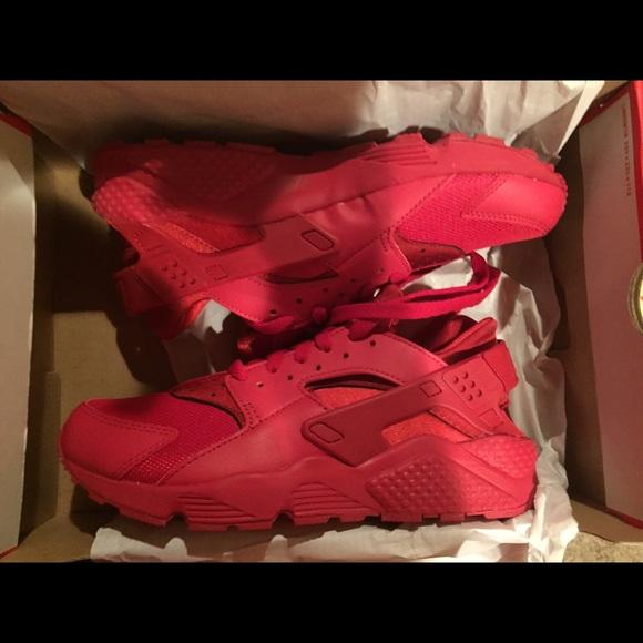 All red Nike Huaraches 3e236fe63876