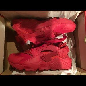 red huaraches tumblr