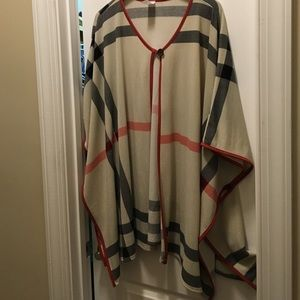 Jackets & Blazers - Burberry look Poncho with button closure
