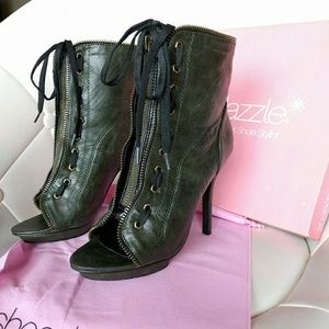 shoedazzle  Shoes - Shoedazzle Trae Olive heeled zip laced boots