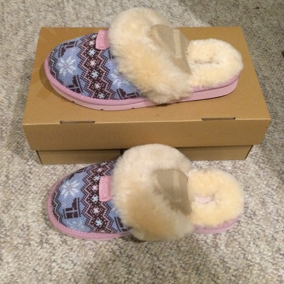 2f35d4585b6 UGG cozy Nordic knit slippers