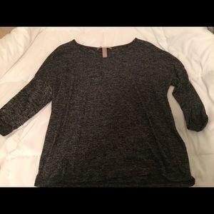 Tops - Heathered Grey Quarter Sleeve Shirt