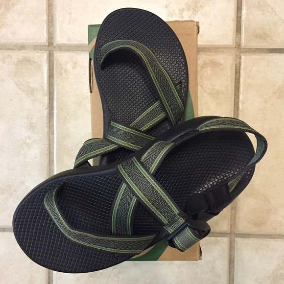 0f863fe737f4 Brand new Men s Chacos Z1 Unaweep Forest Green