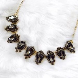 Jewelry - Black & Gold Pear Shaped Jeweled Necklace