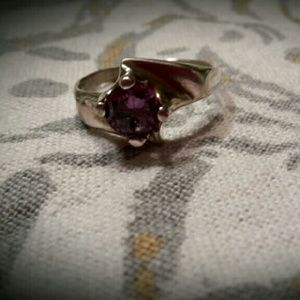 STERLING SILVER SOLITAIRE ROUND AMETHYST RING