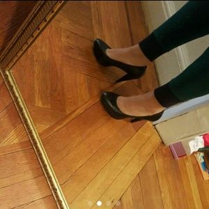 Banana Republic Leather Pumps