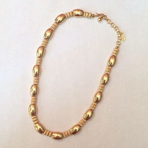 Monet Jewelry - VTG Rope & Barrel Signed Necklace