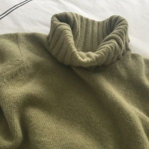 Barbour Sweaters - Barbour wool angora blend sweater.