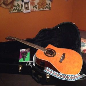 Fender T-Bucket 300CE and accessories.
