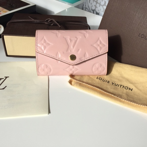 Louis Vuitton Accessories - Louis Vuitton Vernis Rose Ballerine 6 key holder 031856383