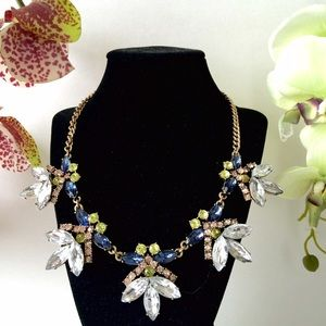 Jewelry - Vintage Inspired Flower Necklace