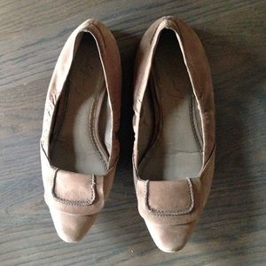 Elizabeth and James leather flats