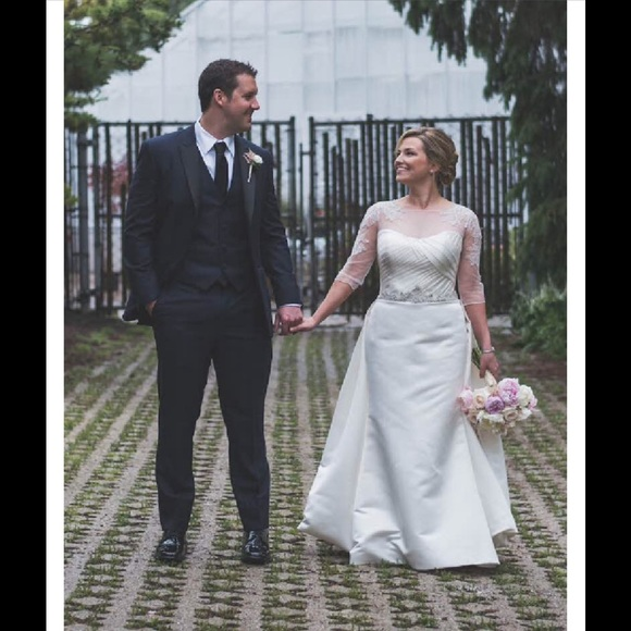 3d9daaf5093 David s Bridal Wedding Dress Tulle Topper
