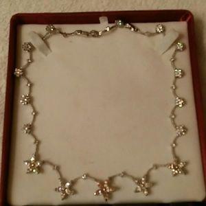 Jewelry - GLITTERY NECKLACE