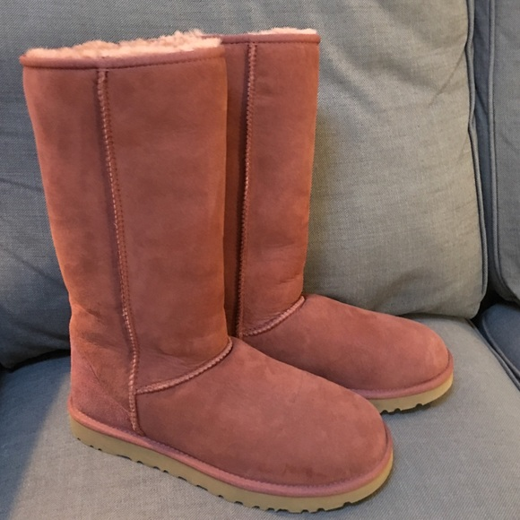 f0cf541308a Adorable Red Ugg Australia Classic Tall Boots!