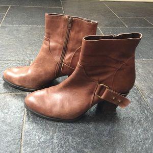 Nine West Short boots cognac