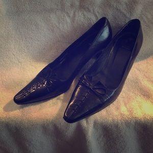 Stuart Weitzman Shoes - # 152. (FINAL MARKDOWN) VINTAGE STUART WEITZMAN