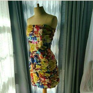 BB Dakota Dresses & Skirts - BB DAKOTA spring floral strapless dress size 8