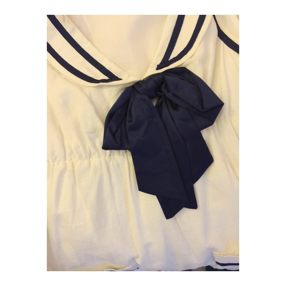 Forever 21 Dresses - ⚓️ cute sailor top ⚓️