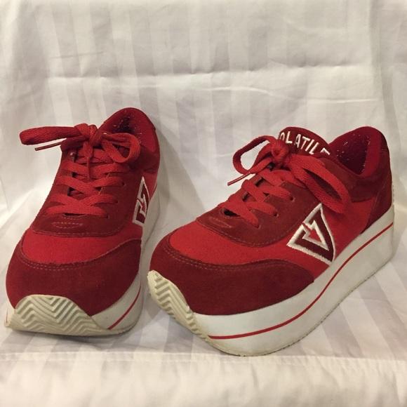 0ef78dad4b74 Buy volatile sneakers