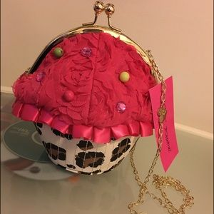FLASH SALE!CUPCAKE BETSEY JOHNSON CROSSBODY