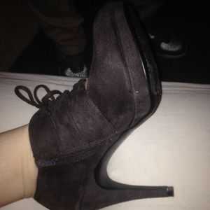 Extremely cute laced up heels