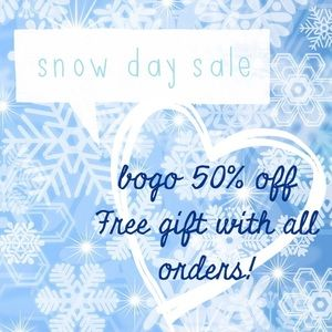 Tops - Snow Day Sale! Read description below! ⬇️⬇️⬇️⬇️