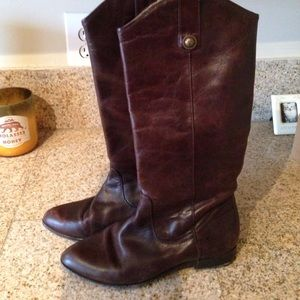 FRYE 77802 Cindy Pull On Boot  -- Size 6