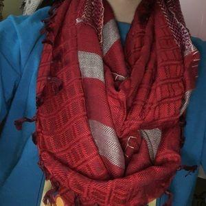 NWT Charming Charlie scarf