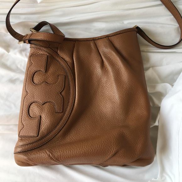 cf9e7150cac5 Tory Burch all T swingpack bag. M 56a3ce6b44adba214802bfb7