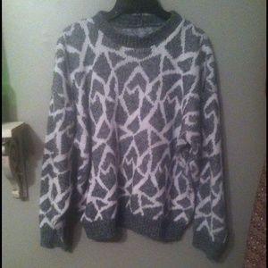 Sweaters - Giraffe print chunky sweater.