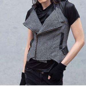 Herringbone Lux Tweed Fashionable Sweater Vest S