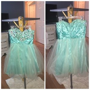 Dresses & Skirts - Blue prom/ party dress