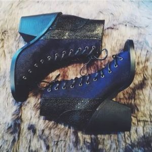 Finders Keepers | hitched booties navy pony hair