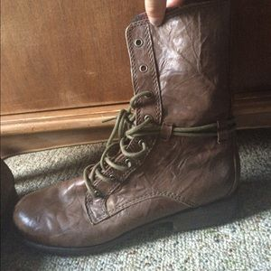 Seychelles Shoes - Brown Leather combat boots
