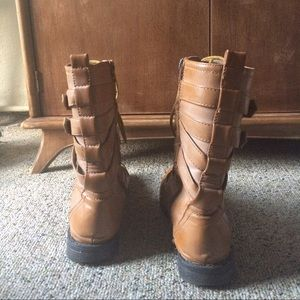 Shoes - Light leather combat boots