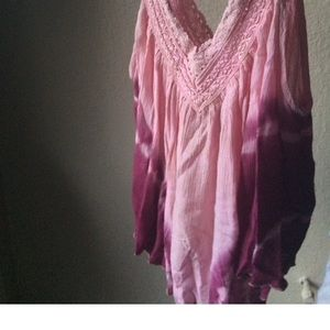 Forever 21 Tops - Light pink flowy top