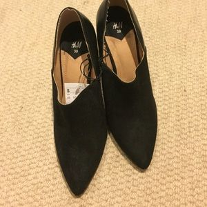 H&M Shoes - Black booties