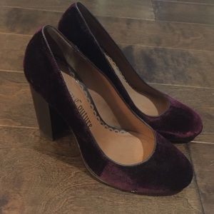 NWOB purple velvet juicy couture heel sz 10